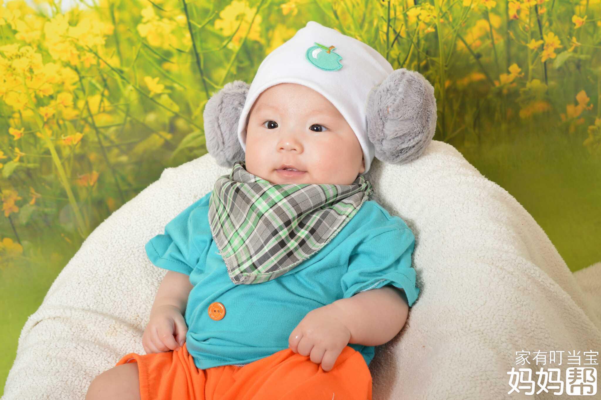 ps图片素材婴儿百天照