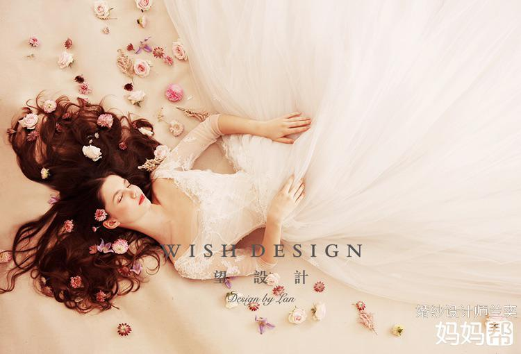 婚纱设计:兰奕,摄影:王馨艺,妆发:云熙.