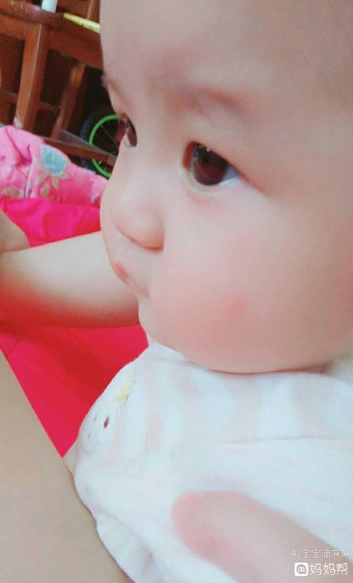 宝宝五个月奶量减少