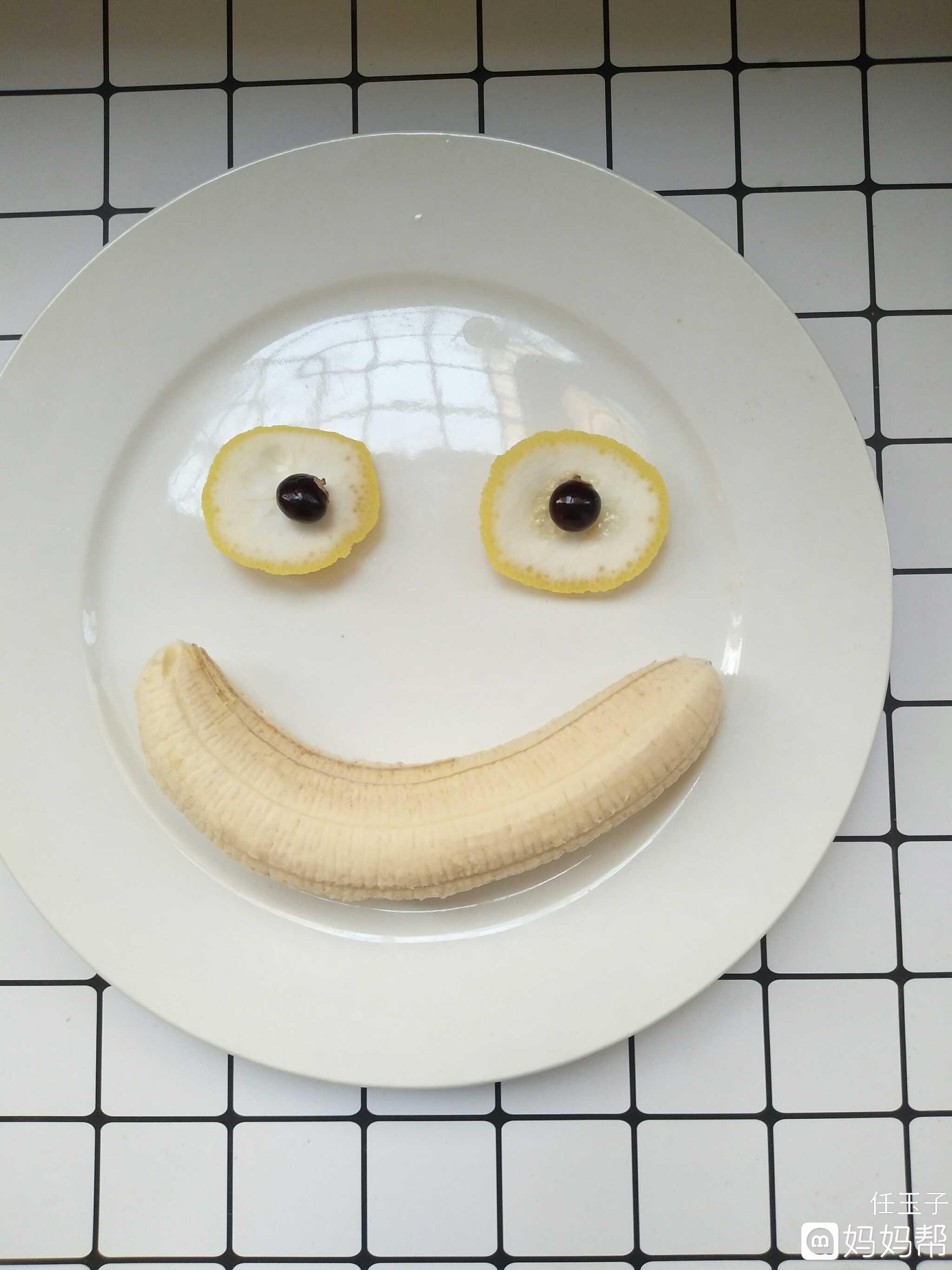 瓜子拼图的女孩,果艺手工做的笑脸.