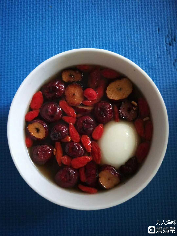 姜枣水的功效与糖水-姜枣红作用天天喝-生姜水栗子和鸭血图片