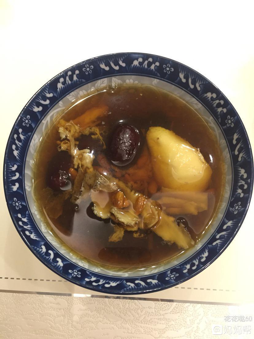 当归杞子红枣骨汤的做法,女人喝了补血活血,调经止痛,润燥滑肠