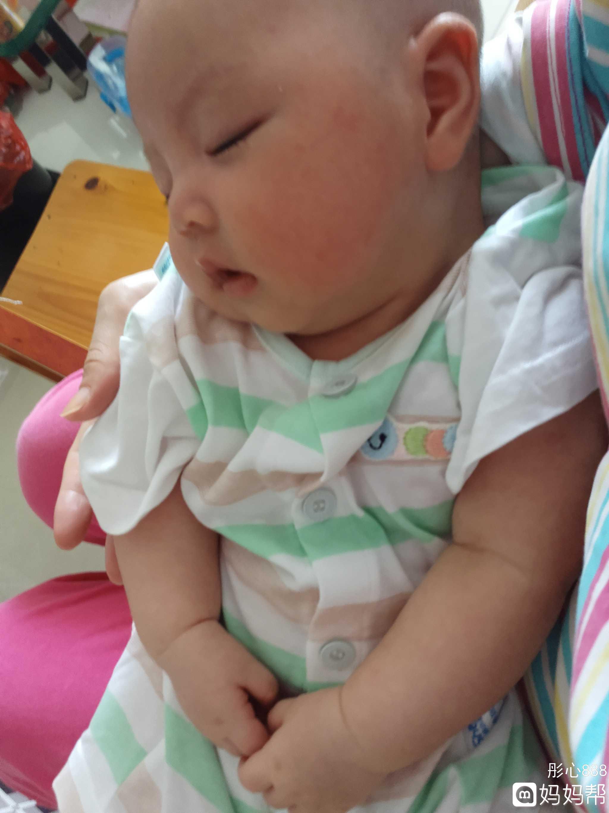 宝宝小心脏受不了图片_宝宝今天终于自己排便便了,我滴个小心脏终