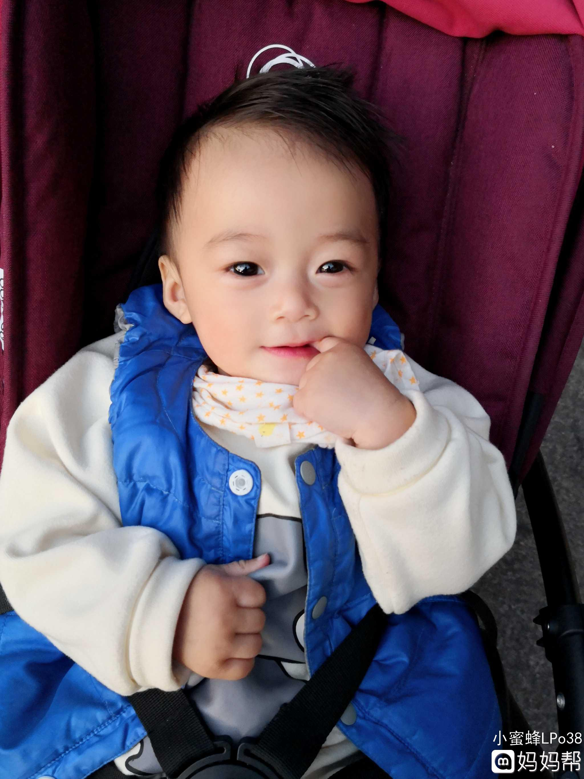 四个月宝宝正常腿图片