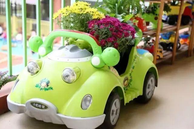 幼儿园里玩坏的玩具小汽车,小自行车等玩具,只要有空间,统统都可以