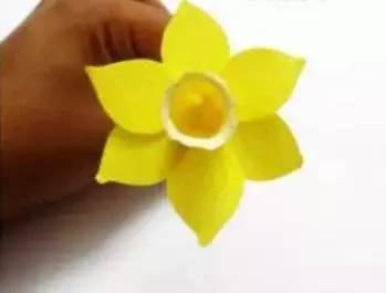 *猜你喜欢*   皱纹纸制作水仙花  手工制作蝴蝶结