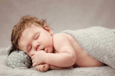 通过宝宝睡姿看出宝宝性格, 你家娃是哪种睡姿?